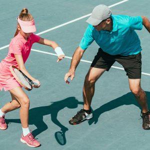 Lo mejor en ropa de hombres para deportes de raqueta